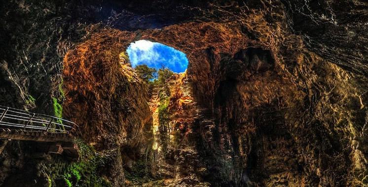 Une enseignante trouve la mort dans un éboulement rocheux dans la grotte Friouato