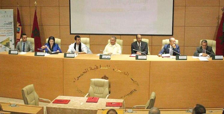 Laâyoune: Des juristes et des défenseurs des droits de l'Homme en conclave