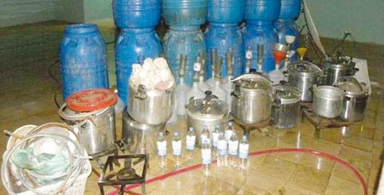 Marrakech : Saisie de plus de 100 litres d'eau-de-vie et arrestation de 4 suspects