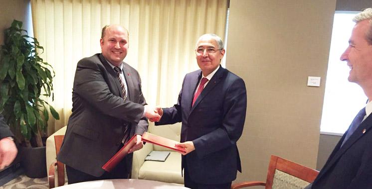 Attijariwafa bank signe à Montréal deux accords de partenariat