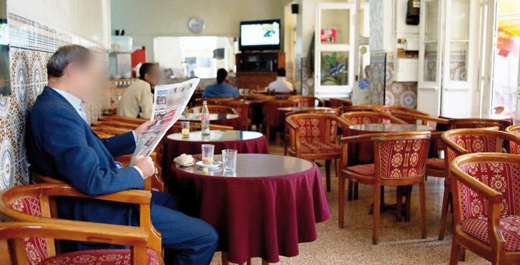 Fini le journal gratuit dans les cafés !