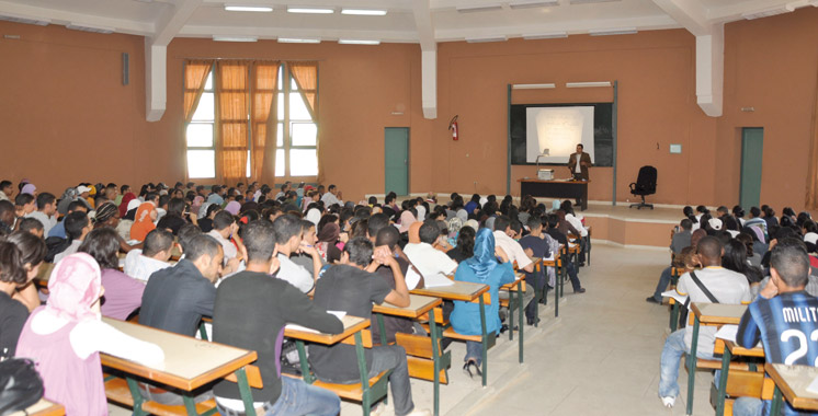Bourses scolaires : 1.800 DH pour les internes et 900 DH pour les bénéficiaires des cantines