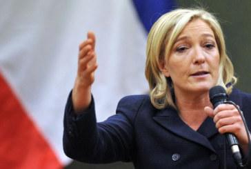 Vidéo : Marine Le Pen refuse de porter le voile pour rencontrer un mufti au Liban