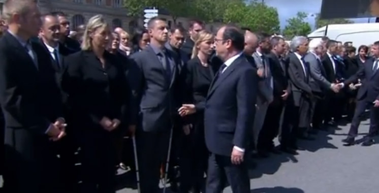 France : Un policier refuse de serrer la main à François Hollande