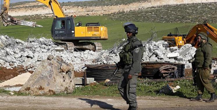 L'armée israélienne démolit la maison d'un Palestinien