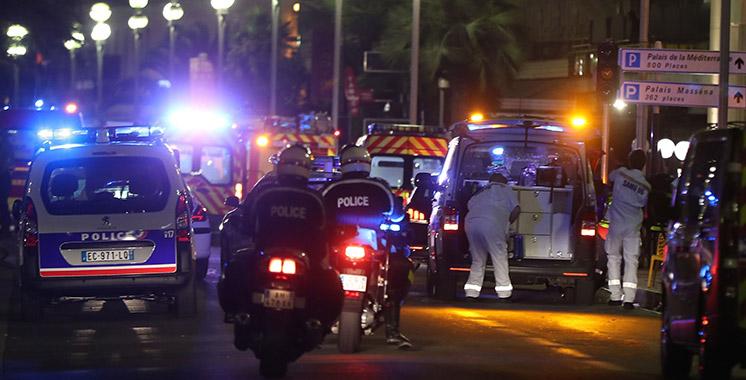 Nice : au moins 60 morts selon le parquet, la piste de l'attentat évoquée