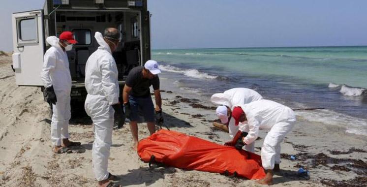 Libye: des habitants découvrent 74 corps de migrants morts près de Tripoli