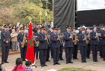 Bicentenaire de l'indépendance de l'Argentine: La troupe musicale des Forces Royales Air offre une belle prestation à Buenos Aires