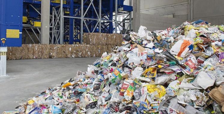 Gestion des déchets industriels: Suez et Renault réitèrent leur engagement