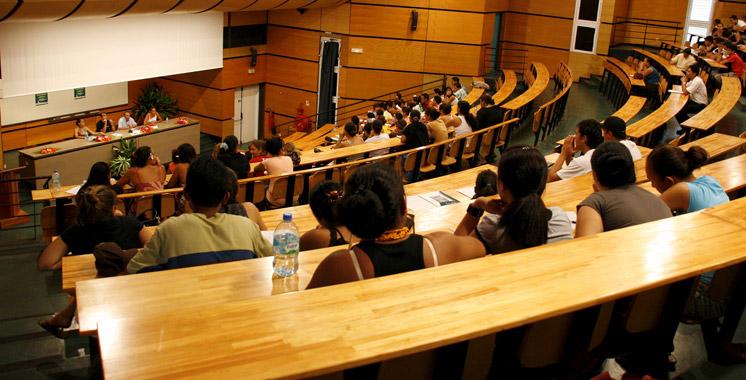 A peine un enseignant pour 60 étudiants : Les universités font appel à 400 profs de lycée