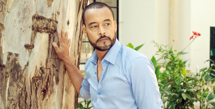 Le comédien-acteur se qualifie de «caméléon»: Malek Akhmiss dans deux rôles bientôt