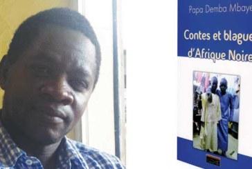 Les contes et blagues cohabitent dans l'œuvre de Papa Demba Mbaye