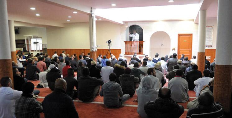 France : les autorités ferment quatre mosquées soupçonnées de promouvoir le radicalisme