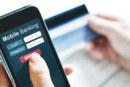 Des banques en ligne à la blockchain : Un monde sans cash n'est pas sans risque