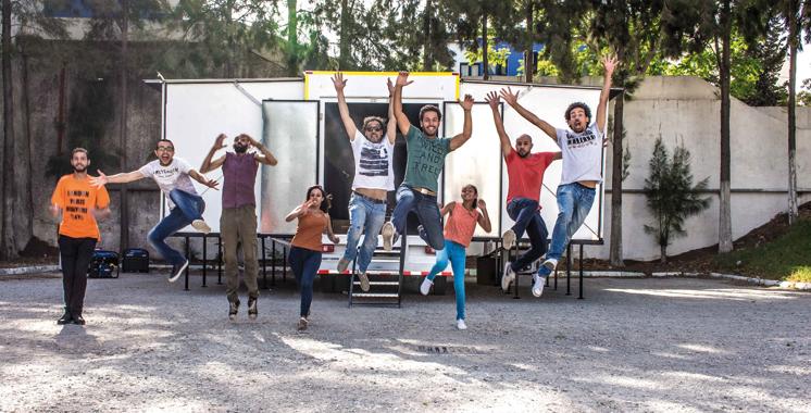 «Aji Tfarej», premier camion-théâtre en Afrique