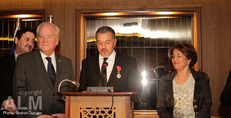 Hamid Bentahar décoré de l'insigne de Chevalier de l'ordre de la légion d'honneur