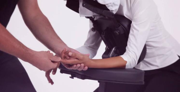 Bien-être au travail – Massage assis :La recette miracle pour vaincre le stress?