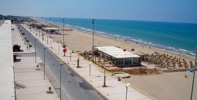 Des associations dénoncent les travaux de béton sur la plage de Saïdia