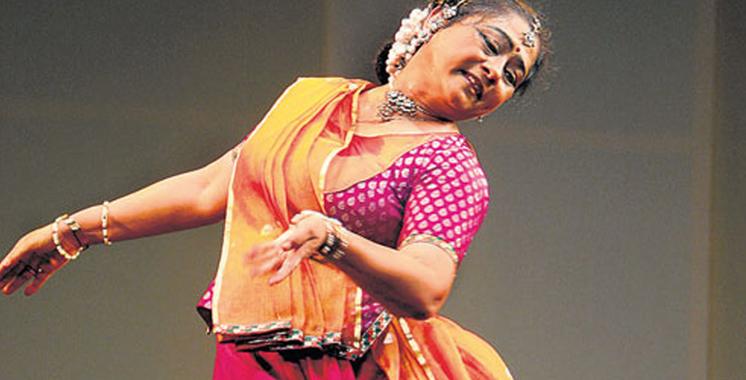 Spectacles de la danseuse indienne Vaswati Misra dans plusieurs villes