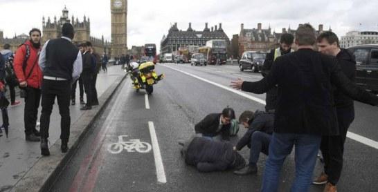 Des coups de feu entendus devant le Parlement à Londres