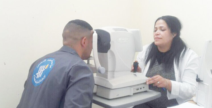 Province de Chefchaouen: Une unité médicale mobile d'ophtalmologie en campagne