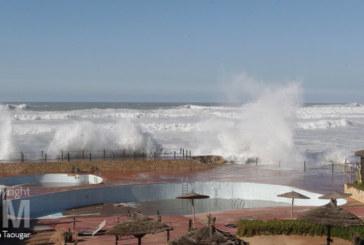 Diapo : Les grosses vagues de Ain Diab à Casablanca