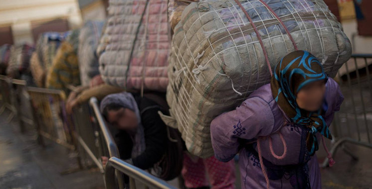 Fès : 2 personnes arrêtées après la saisie de 2 tonnes de marchandises de contrebande