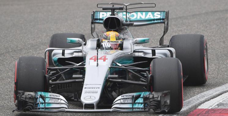 Hamilton stoppé en piste — Tests Bahrein