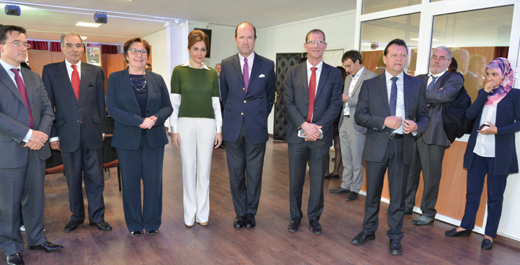 Généralisation du préscolaire: Oum El Ghait reçoit le Prix UP International de l'initiative