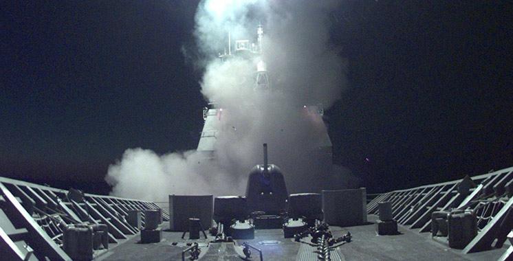 Les Etats-Unis lancent des missiles contre une base aérienne en Syrie
