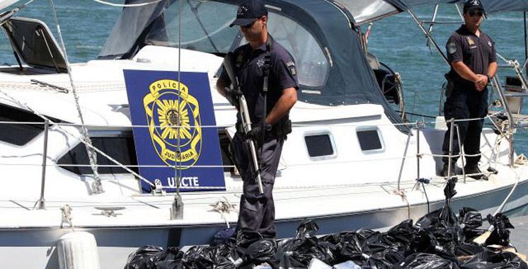 Un bateau à la dérive avec plus de 440 kg de haschich au large du Portugal