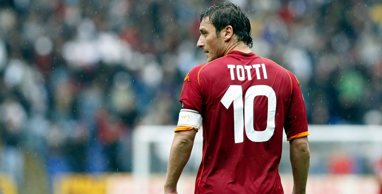 Football : Totti mettra fin à sa carrière de joueur