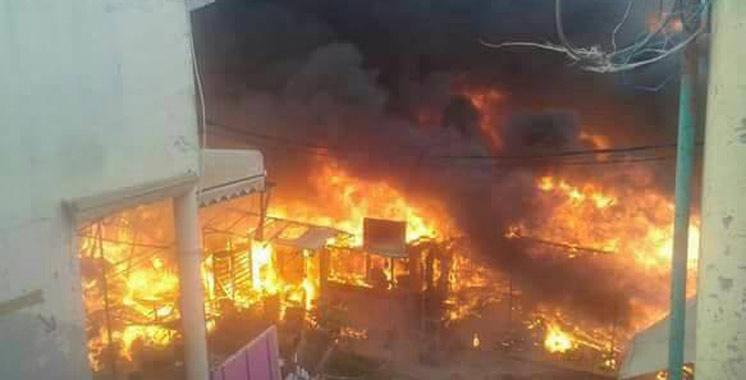 """Tanger : Un incendie se déclare au souk populaire """"Bir Chifa"""""""