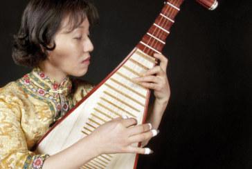 Lingling Yu: «J'aimerais marier le pipa au luth lors du festival  de Fès»