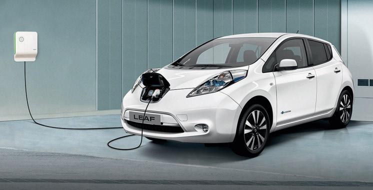 Véhicules électriques: La Nissan Leaf trace son sillon