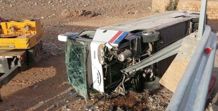 Renversement d'un autocar à Kénitra: deux morts et 30 blessés