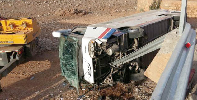 3 morts et 21 blessés dans un accident d'autocar à Mehdia
