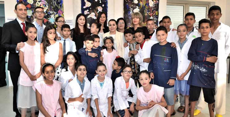 Vidéo : Lalla Asmaa préside la cérémonie de fin d'année scolaire pour enfants et jeunes sourds