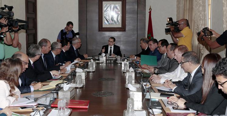 El Othmani annonce la création d'une commission pour le suivi des projets signés devant le Roi Mohammed VI