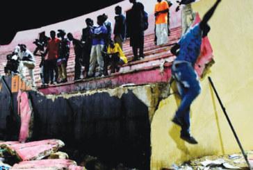 Dakar: Bagarres et mouvements de foule font 8 morts dans un stade de football