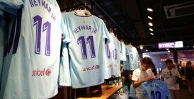 Vidéo : Impressionnante queue devant les boutiques du PSG pour le maillot de Neymar
