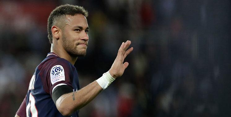 Football : Neymar dépose une requête auprès de la Fifa contre le FC Barcelone