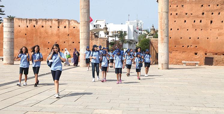 Colonie de vacances : Les enfants du personnel du ministère de l'économie et des finances découvrent les sites historiques emblématiques de Rabat