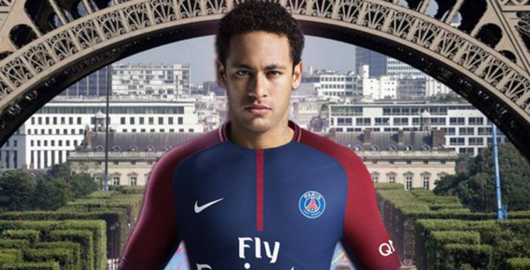 EN IMAGES. Neymar a déjà sa place réservée dans le vestiaire