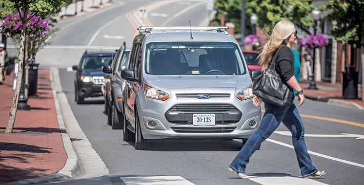 Ford : Un conducteur camouflé pour étudier l'acceptabilité des voitures autonomes dans la circulation urbaine