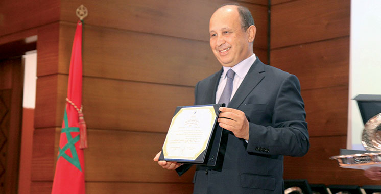 Ahizoune reçoit le Prix de reconnaissance de la culture amazighe au titre de l'année 2016