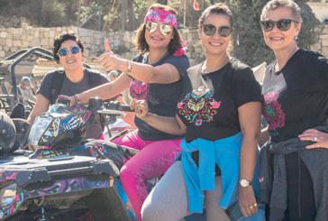 «Ford Warriors in Pink» Moyen-Orient : Quatre survivantes du cancer du sein partent à l'aventure
