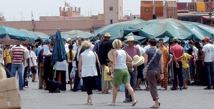 Touristes anglais : Près d'un demi- million pour la première fois