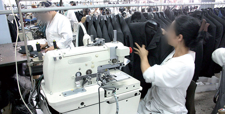 Production industrielle : Le textile  et la parachimie en perte de vitesse