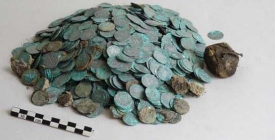 France : Découverte d'un trésor médiéval comprenant des pièces d'or frappées au Maroc